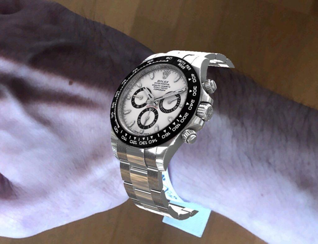 時計をつけている